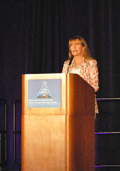 Actress and philanthropist Jane Seymour addresses the crowd at the 2018 SmartWomen Luncheon & Expo.